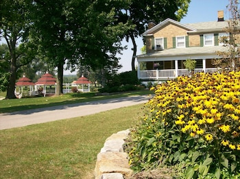 Picture of Julia's Bed & Breakfast in Hubbard