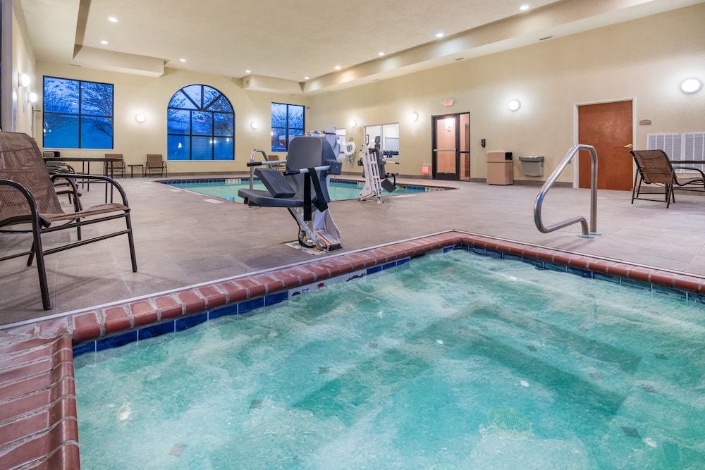 Holiday Inn Express Hotel Suites Rocky Mount