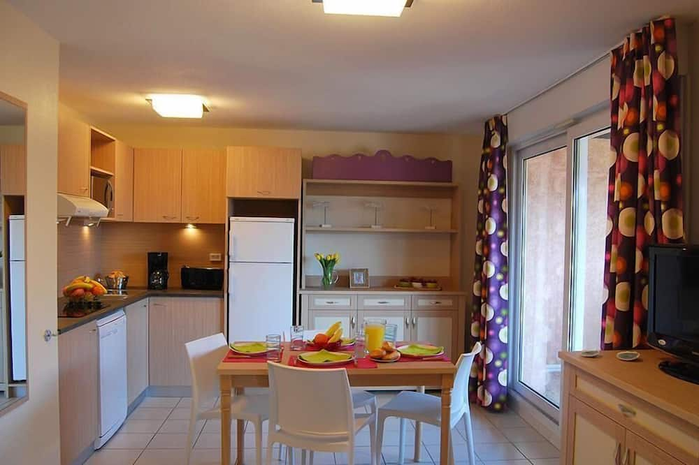 Apartment 2 bedrooms 6 persons PLUS - Living Room