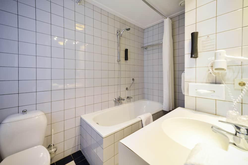 Luksus-værelse med 2 enkeltsenge (Shower) - Badeværelse