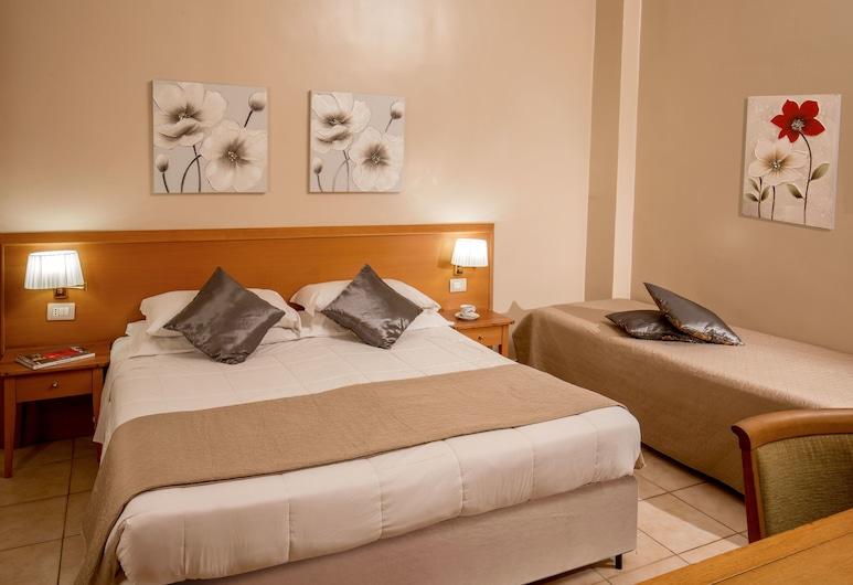 XX 塞滕布雷酒店, 羅馬, 三人房, 客房