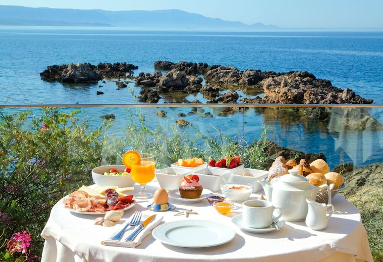 Hotel dei Pini, Alghero, Speisen im Freien