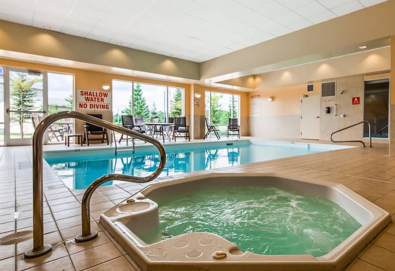 Best Western Plus Muskoka Inn, Huntsville, Piscine