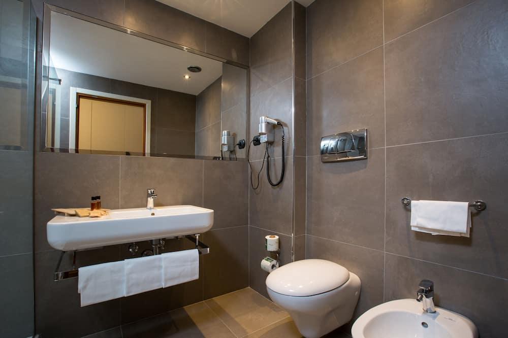 Deluxe Büyük Yataklı Tek Kişilik Oda - Banyo