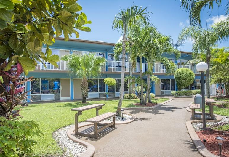 Rodeway Inn & Suites Fort Lauderdale Airport & Cruise Port, Fort Lauderdale, Innenhof