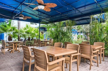 Picture of Rodeway Inn & Suites Fort Lauderdale Airport & Cruise Port in Fort Lauderdale