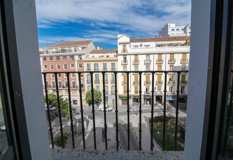 Petit Palace Plaza del Carmen, Madrid, Vierbettzimmer, Balkon, Ausblick vom Zimmer