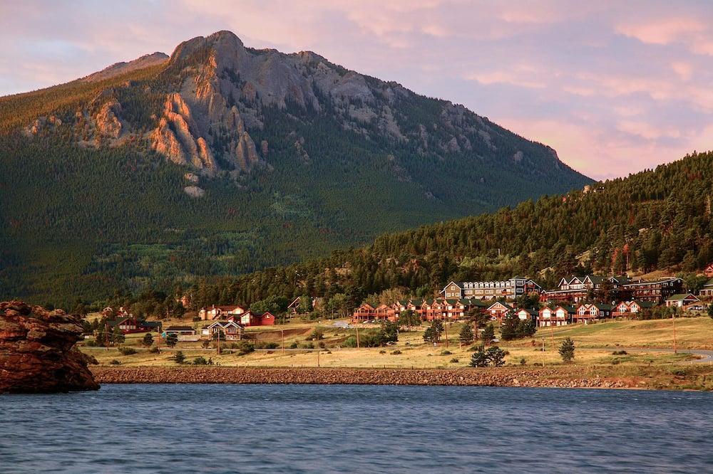 Marys Lake Lodge Mountain Resort and Condos