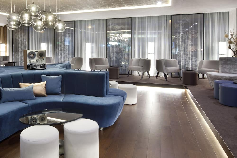 Otel Barı