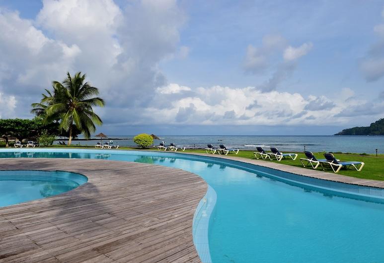 Pestana Equador, Као-Ільяо-Даш-Ролаш, Басейн