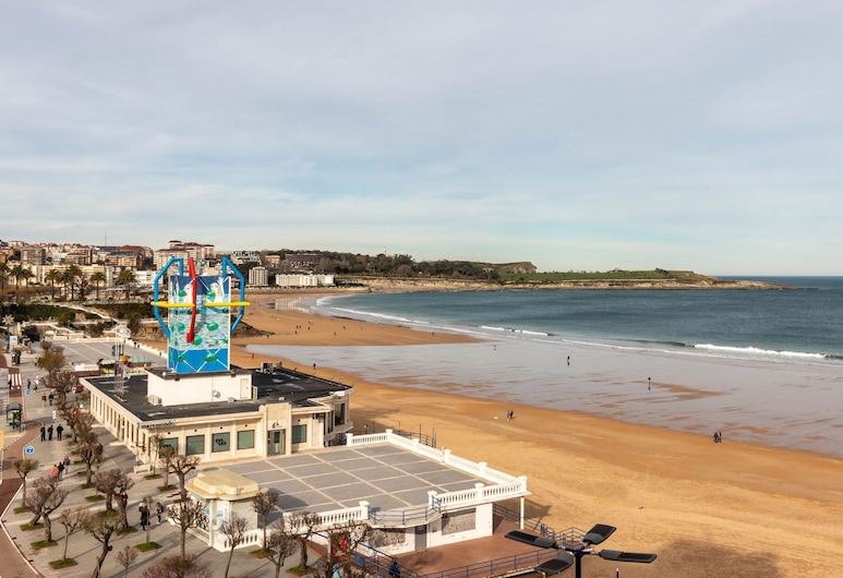Hotel Silken Rio Santander, Santander, Strand