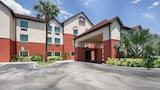 Reserve this hotel in Auburndale, Florida