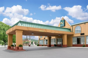 Picture of Quality Inn & Suites in Horse Cave