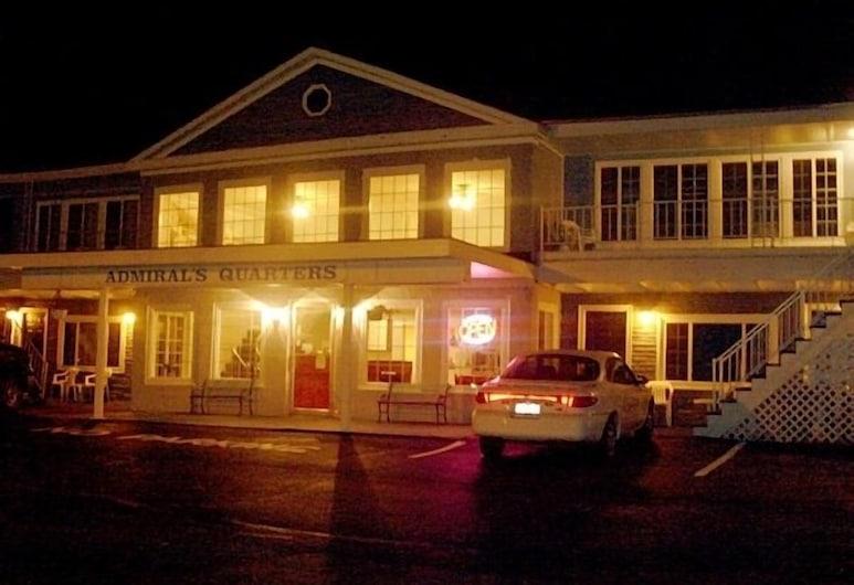Admiral's Ocean Inn, Belfāsta, Viesnīcas priekšskats vakarā/naktī