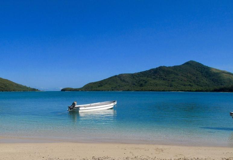 Navutu Stars Resort, Yageta Island, Beach