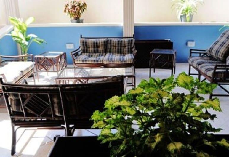 Haddon Hotel, Kingstown, Terrasse/veranda