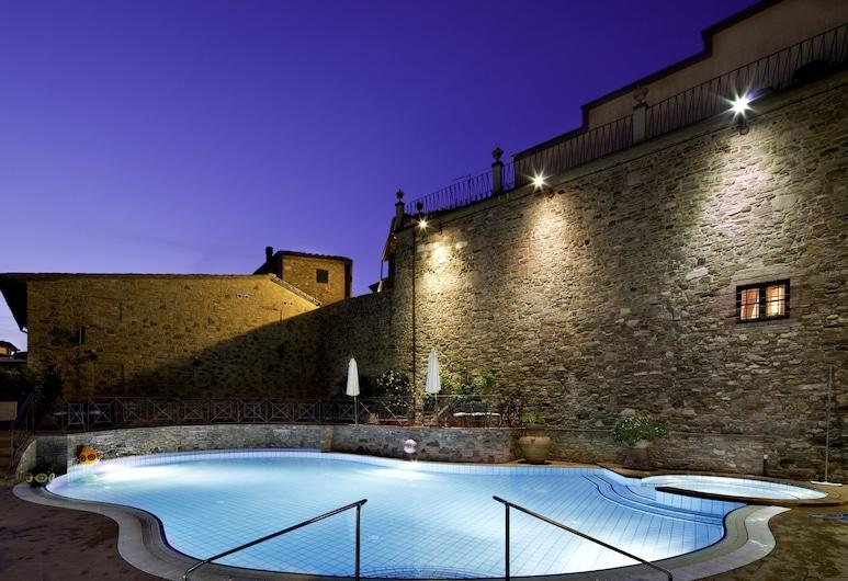 UNAHOTELS Palazzo Mannaioni Toscana, Montaione, Außenpool