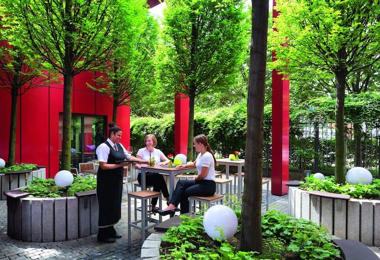 Movenpick Hotel Frankfurt City, Frankfurt, Außen-Kinderspielplatz