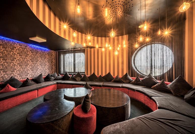 Rija VEF Hotel, Riga, Bar del hotel