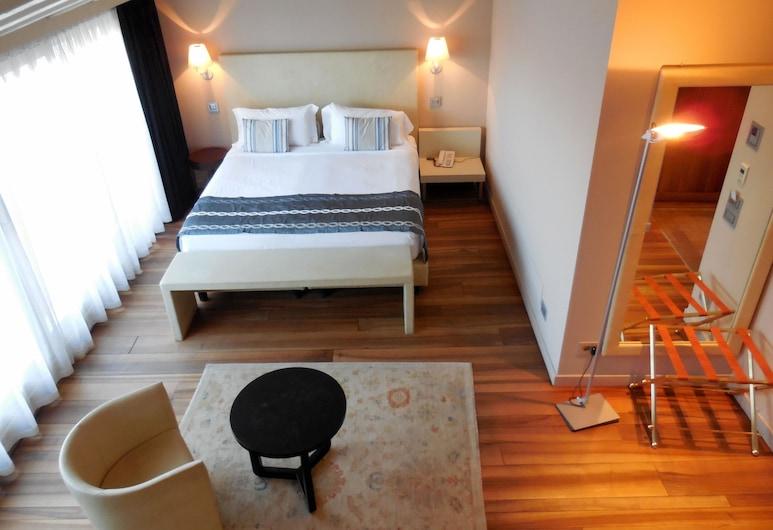 卡皮塔尼酒店, 佩斯基耶拉 , 套房, 部分湖景 (Prestige), 客房