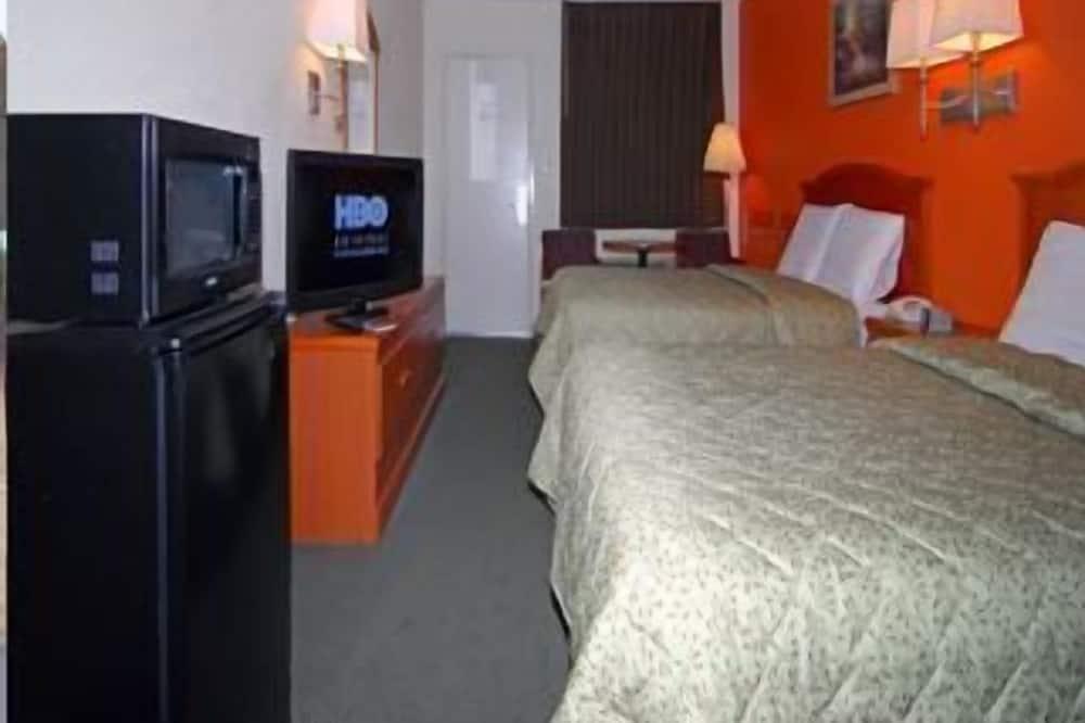 Standard Room, 2 Queen Beds, Smoking - Guest Room