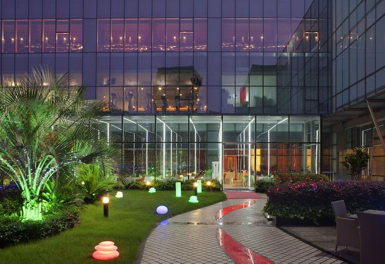 Grand Mercure Shanghai Century Park Hotel, Shanghai, Garden