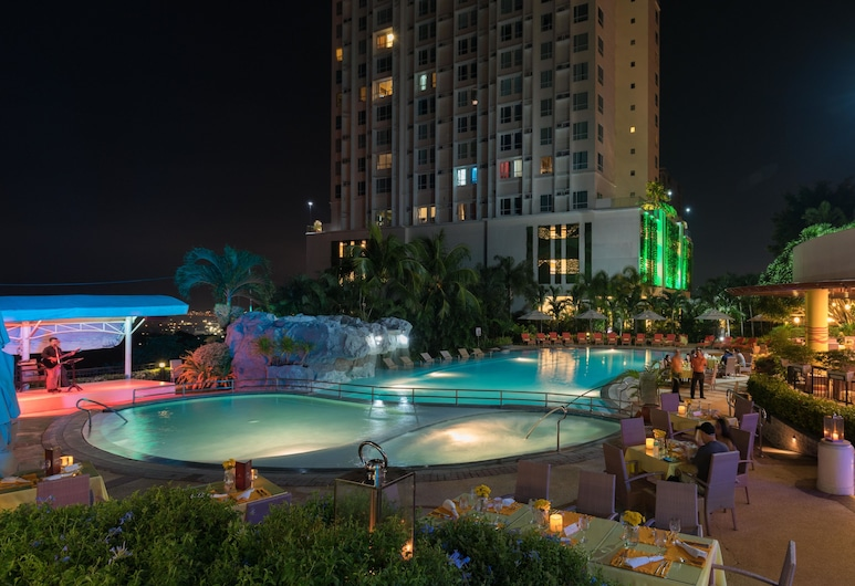 Marco Polo Plaza Cebu, Cebu, Poolside Bar