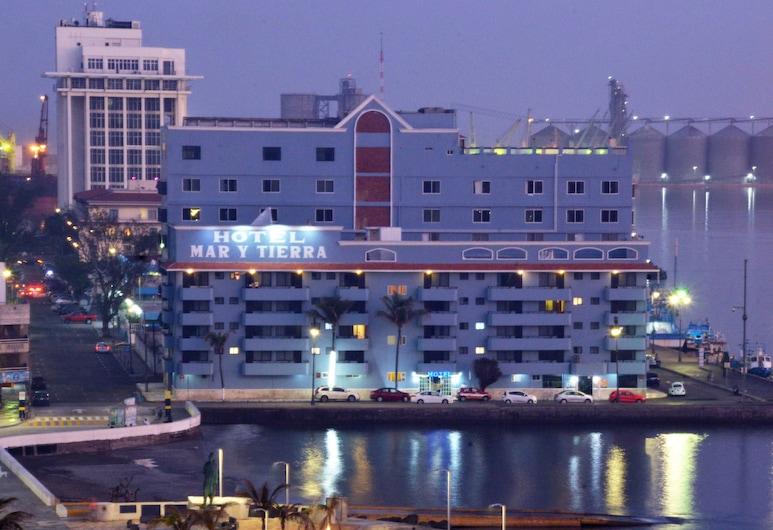 韋拉克魯斯瑪律與蒂爾拉酒店, 維拉克魯斯, 酒店正面