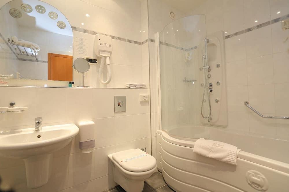 Double or Twin Room, Partial Sea View - Bathroom