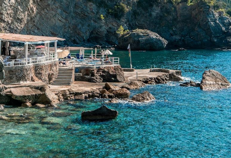 Grand Hotel Tritone, Praiano, Beach