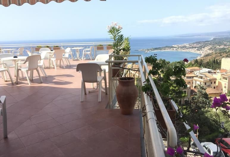 Hotel Mediterranee, Taormina, Terrazza/Patio