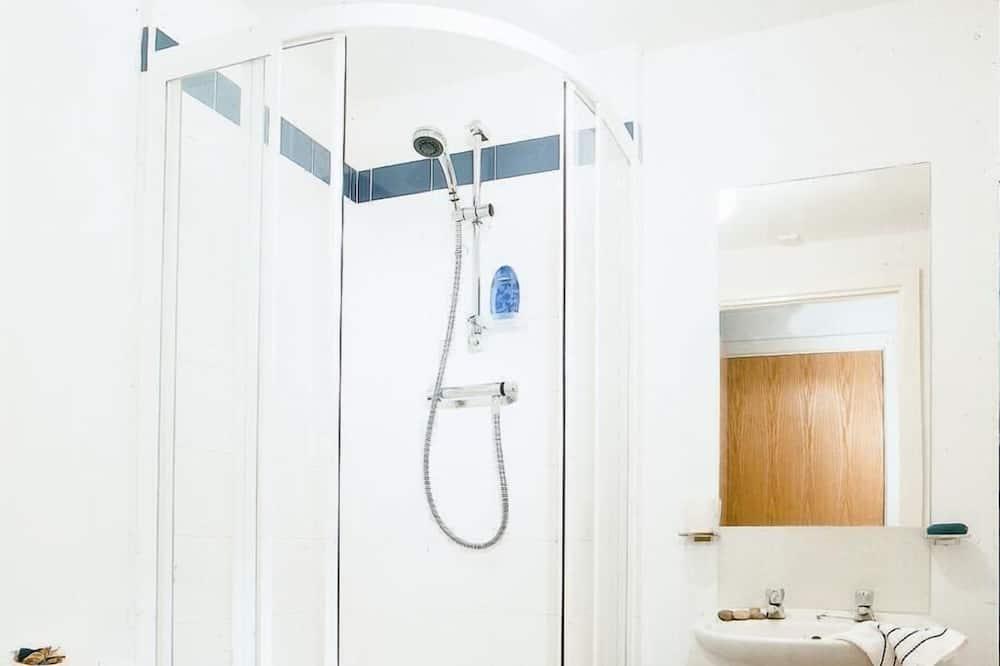 Standard Apartment, 3 Bedrooms - Bathroom