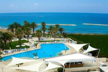 Picture of Venus Beach Hotel in Paphos