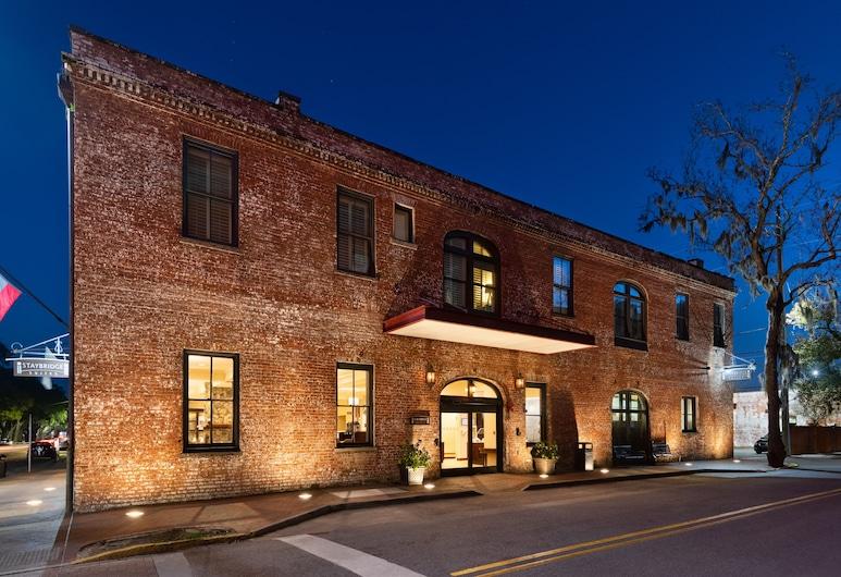 Staybridge Suites Savannah Historic District, Savannah, Exterior