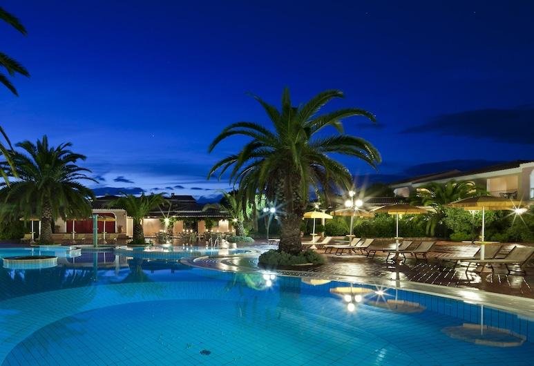 I Giardini di Cala Ginepro Hotel Resort, Orosei, Piscina al aire libre
