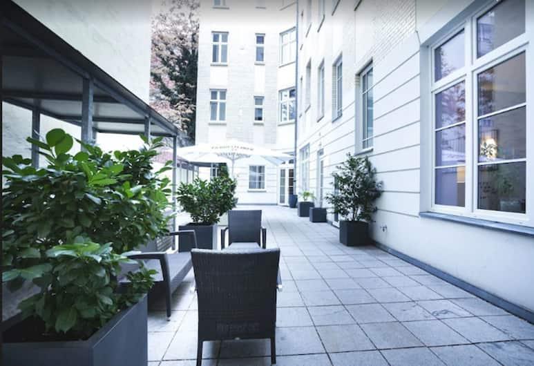 Select Hotel Berlin Checkpoint Charlie, Berliini, Terassi/patio