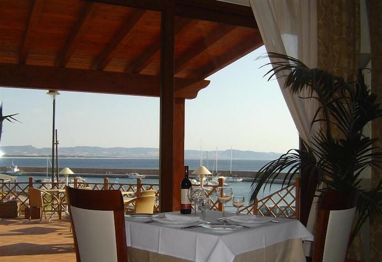 Hotel Corallo, Trinità d'Agultu e Vignola, Outdoor Dining