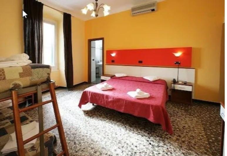 萊特萊斯塔齊奧尼酒店, 吉那歐, 四人房, 客房