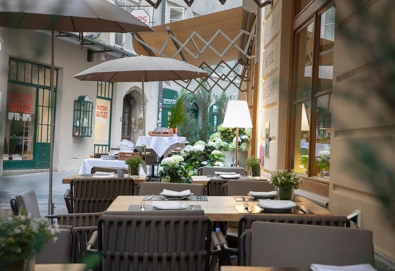 Small Luxury Hotel Goldgasse, Salisburgo, Ristorazione all'aperto