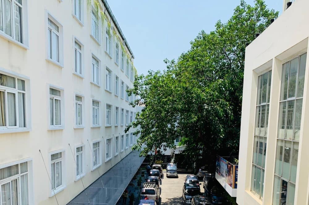 Prémium lakosztály, 1 kétszemélyes ágy - Kilátás az udvarra