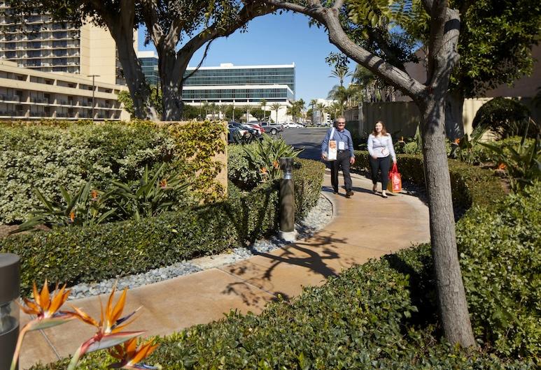 Courtyard Anaheim Resort/Convention Center, Anaheim, Terasa/trijem