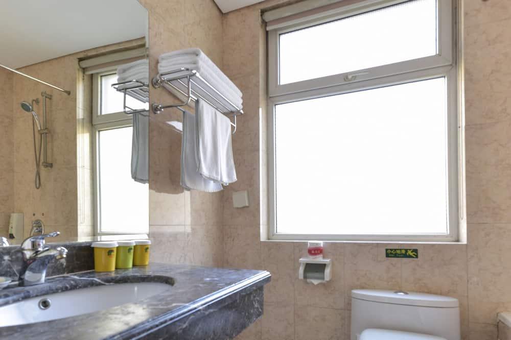 Семейный номер, 3 односпальные кровати - Ванная комната