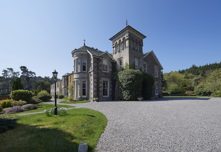 Loch Ness Country House Hotel, Inverness, Hotel Front