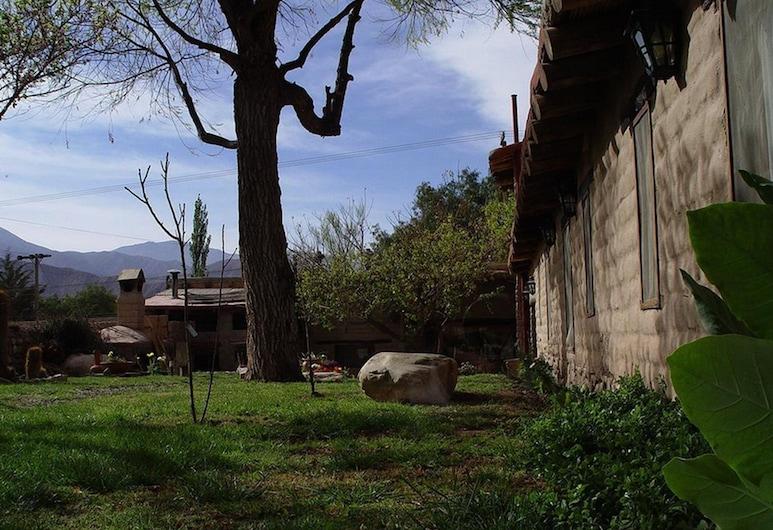 Hosteria Rincon de Fuego, Tilcara, Jardín