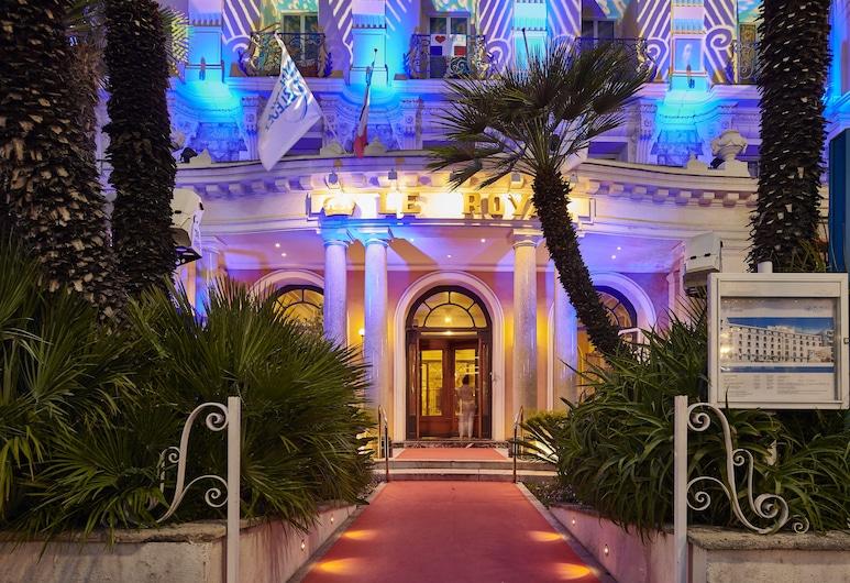 Hôtel Vacances Bleues Le Royal, Nice, Hotel Front – Evening/Night