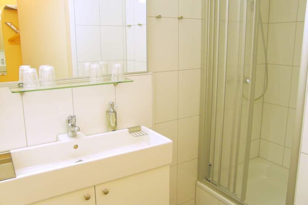 Suite – family, 2 soverom (for 4 people) - Vask på badet