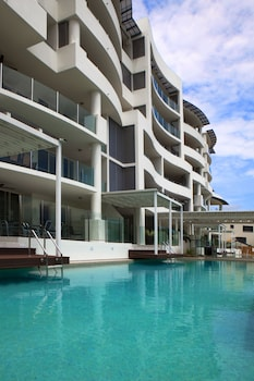 Picture of Waters Edge Apartments Cairns in Cairns