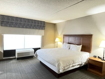 A(z) Hampton Inn Suites Louisville East hotel fényképe itt: Louisville