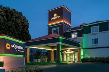 Picture of La Quinta Inn & Suites by Wyndham Latham Albany Airport in Latham