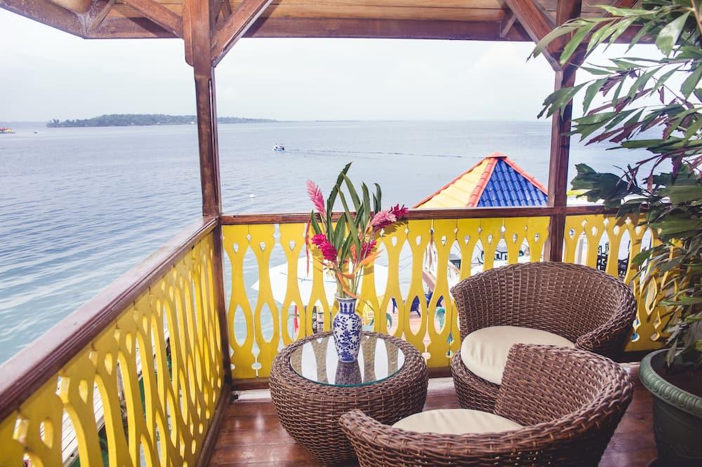 Premium Ocean Balcony 1 queen & 1single  - Vistas al balcón
